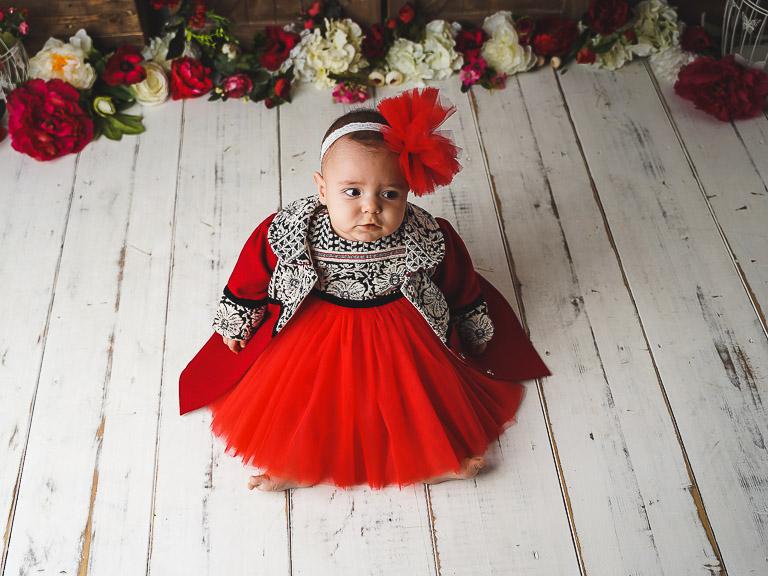 Paltonaș fetițe roșu tradițional din stofă